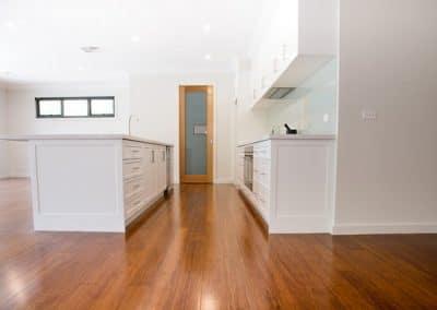 7MONT-kitchen1
